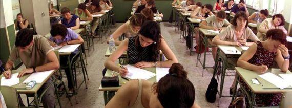 Oposiciones-docentes-mayoria-comunidades-convocatoria_EDIIMA20130127_0099_3